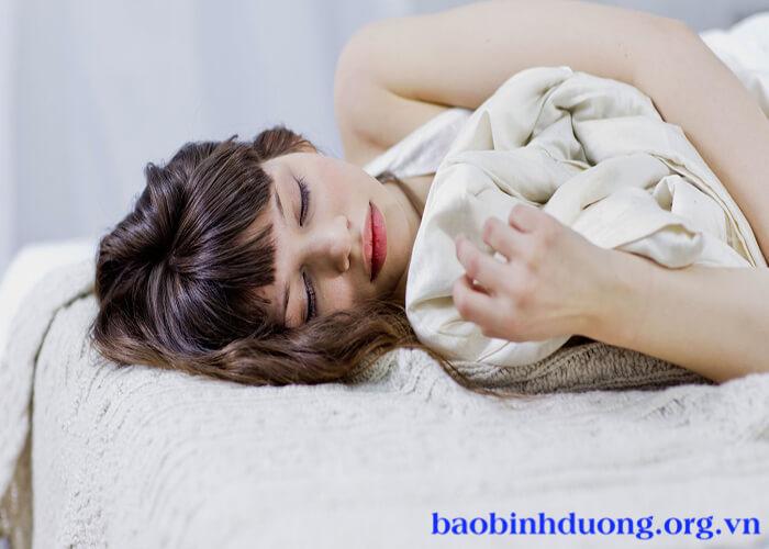 Nguyên nhân vì sao hay giật mình khi ngủ
