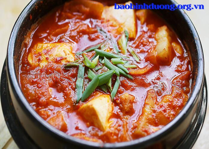 Cách làm món súp kim chi đậu phụ Hàn Quốc
