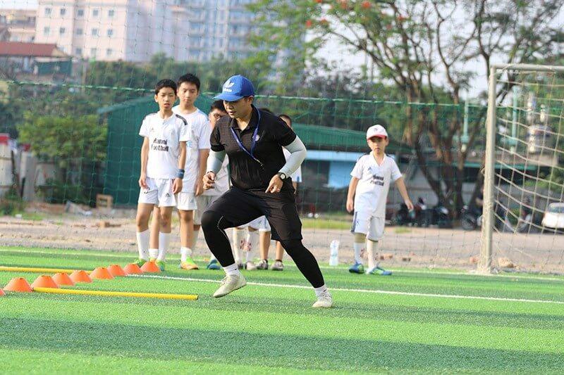 Trung tâm dạy bóng đá Tuổi Trẻ với huấn luyện viên chuyên nghiệp