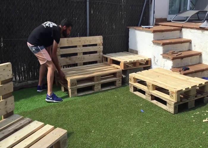 đóng bàn ghế bằng gỗ pallet