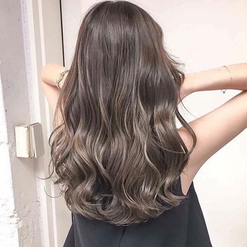 Chia sẻ làm tóc xoăn sóng đẹp năm 2020 - 2021
